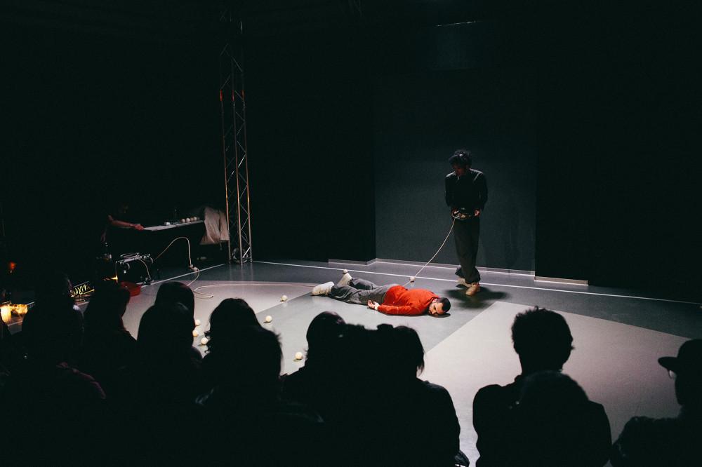 шоу defracto в Эрарте